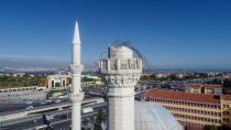 Avcılar'daki Hacı Ahmet Tükenmez Camii Kontrollü Bir Şekilde Yıkılıyor